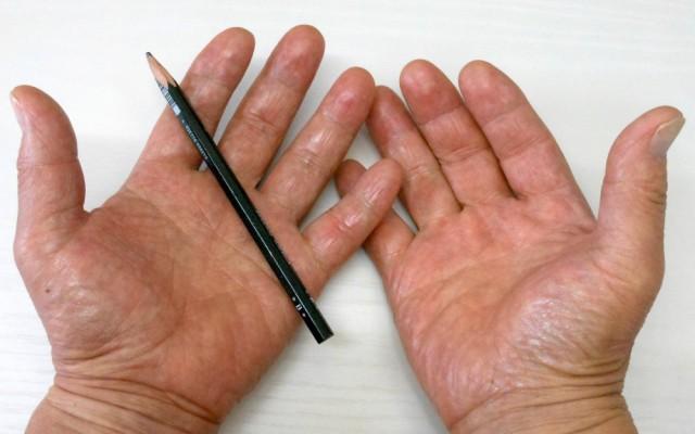 どうして、そんなに「手」が大きいのですか?